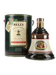 Bell's Christmas 1988 Ceramic Decanter We Wish You A Merry Christmas 75cl / 43%