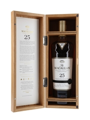 Macallan 25 Year Old Annual 2020 Release 70cl / 43%