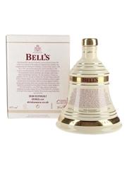 Bell's Christmas 2010 Ceramic Decanter Arthur Kinmond Bell 70cl / 40%