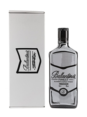 Ballantine's Finest Joshua Vides Edition 70cl / 40%