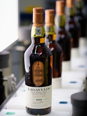 Lagavulin 1991 200th Anniversary Charity Bottling Bottle Number 1 70cl / 52.7%