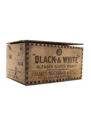 Black & White Spring Cap Bottled 1950s - Fleischmann Distilling Corporation 12 x 75.7cl