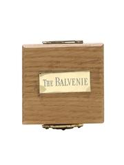 Commemorative 1892 Balvenie Shilling Set  5.5cm x 5cm x 2.5cm