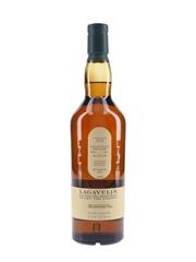 Lagavulin Natural Cask Strength Bottled 2017 - Distillery Exclusive 70cl / 54.1%