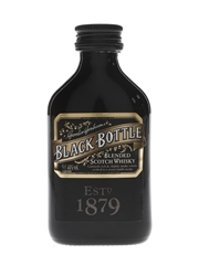 Black Bottle With Cocktail Stirrer  5cl / 40%