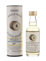 Highland Park 1977 20 Year Old Bottled 1998  - Signatory Vintage 5cl / 43%