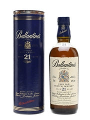 Ballantine's 21 Years Old 'Real Players' of Allied Domecq 2002 70cl / 43%