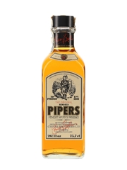 Hundred Pipers Bottled 1970s - Chivas Brothers 75.7cl / 40%