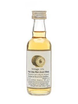 Bowmore 1976 20 Year Old - Signatory 5cl / 52.6%