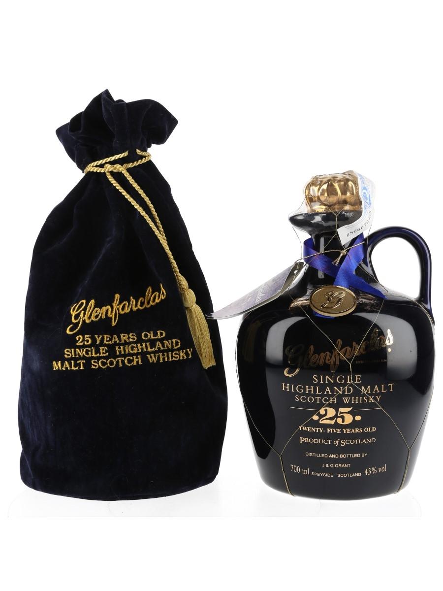 Glenfarclas 25 Year Old Ceramic Decanter Bottled 1990s 70cl / 43%