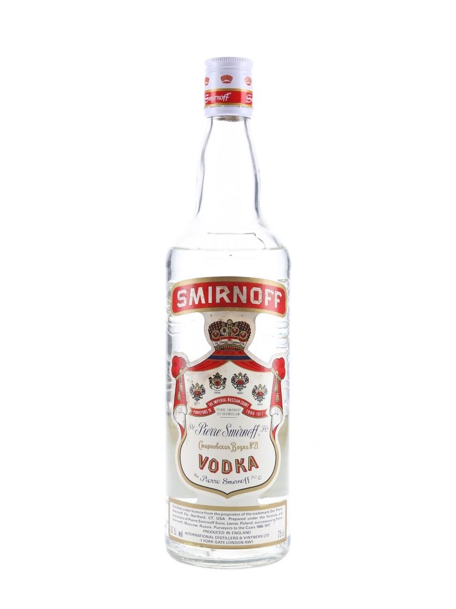 Smirnoff Red Label Bottled 1980s - International Distillers & Vintners Ltd 75cl / 37.5%