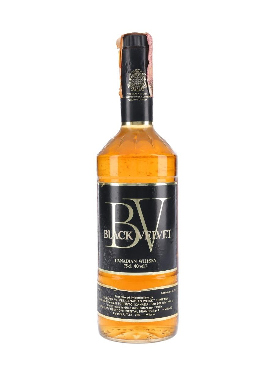 Black Velvet Canadian Whisky Bottled 1970s - Giovinetti 75cl  / 40%