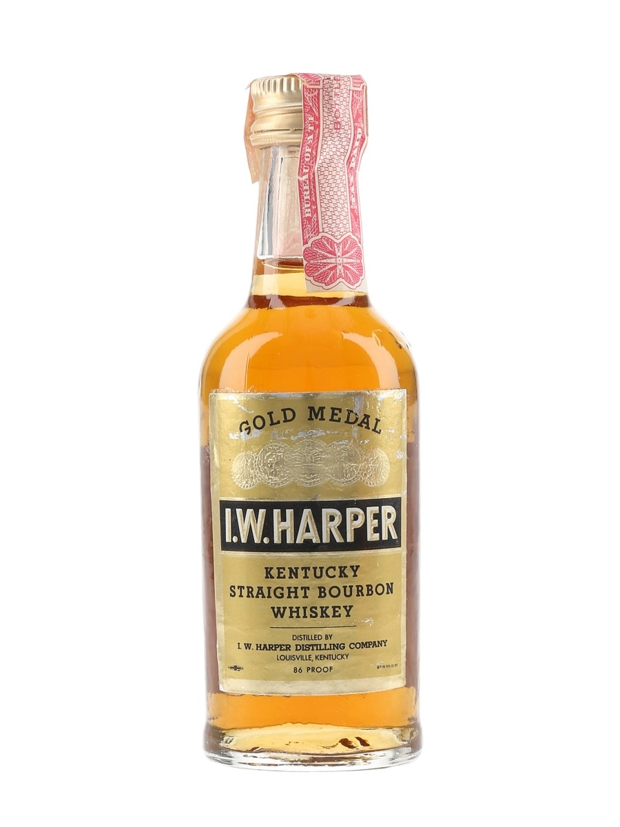 I W Harper 4 Year Old Gold Medal Bottled 1970s-1980s 5cl / 43%