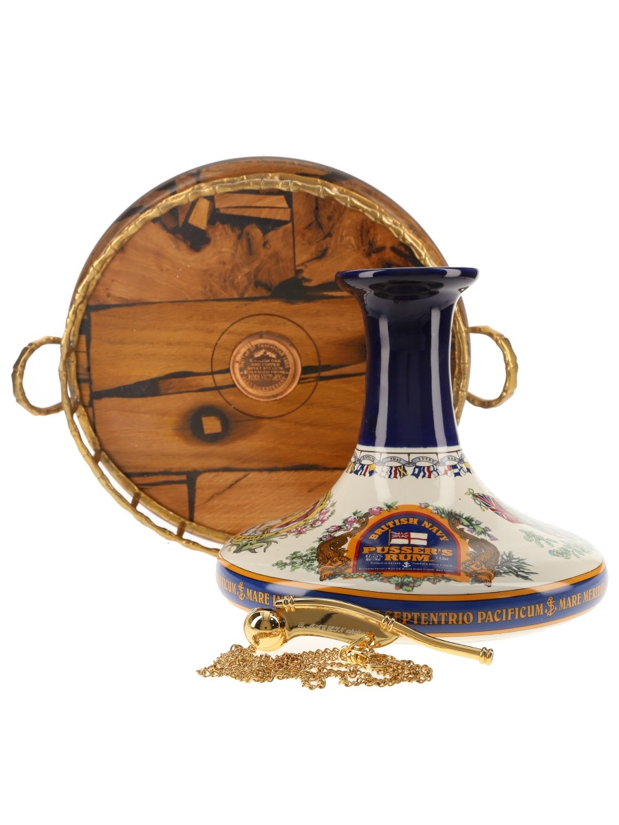 Pusser's British Navy Rum Nelson Ships' Decanter with HMS Victory Tray & Bosun's Call 100cl / 54.5%