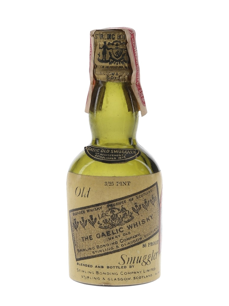 Old Smuggler The Gaelic Whisky 6 Year Old Bottled 1930s-1940s - Pacific Distributors Ltd. 5.6cl / 43%